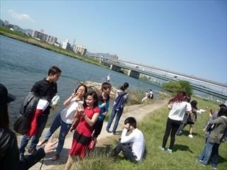 s-8川で.JPG